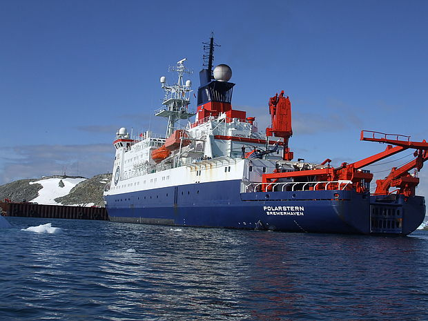 "The polar research vessel ""FS Polarstern"" in the Antarctic"